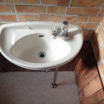 トイレ鏡洗面台